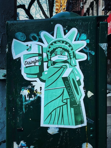 street art nyc covid-19 coronavirus statue of liberty