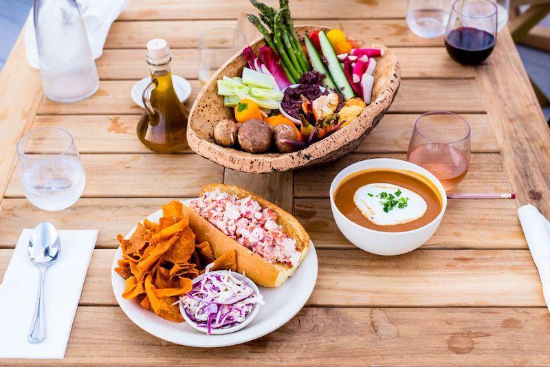 duryea's montauk lunch dinner table