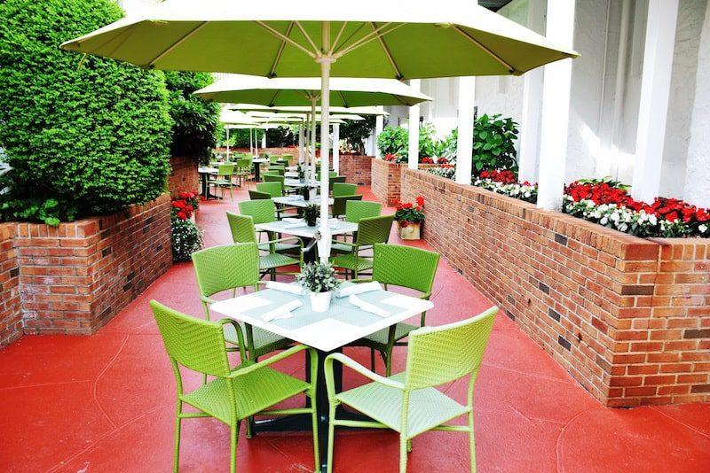 Claude's restaurant southampton inn courtyard