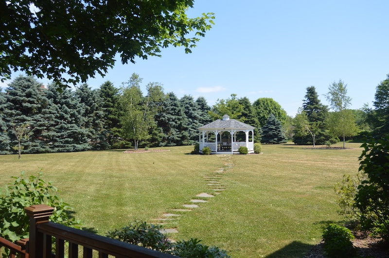 coffey house bed and breakfast backyard east marion ny