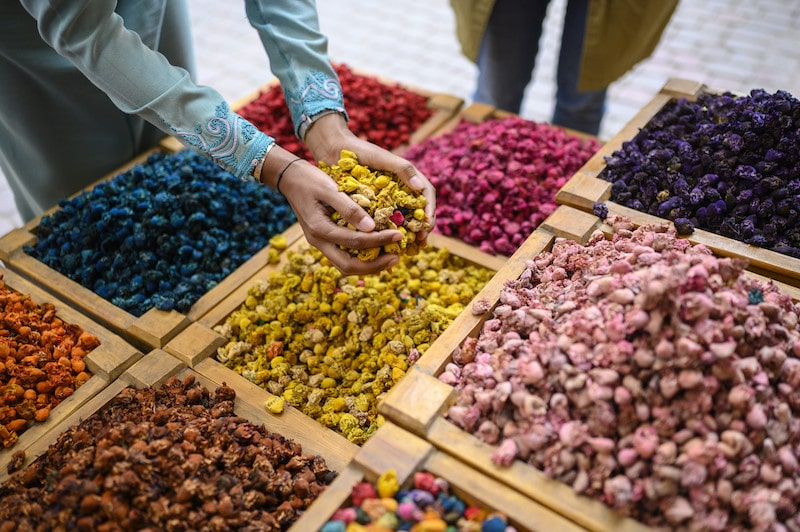moroccan spices market airbnb online experiences
