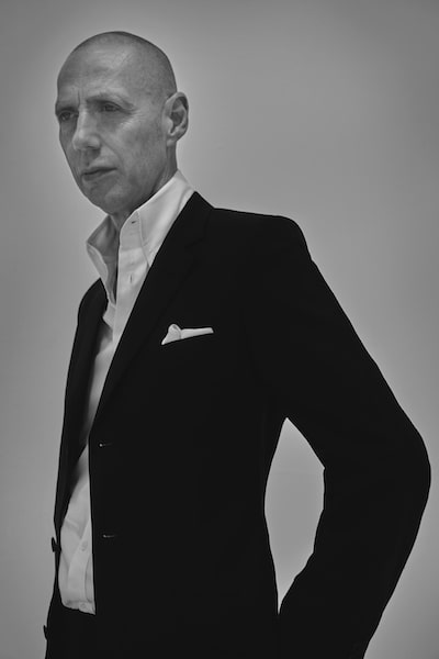 portrait of artist nick knight