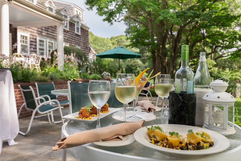 lunch outdoor dining the ram's head inn shelter island