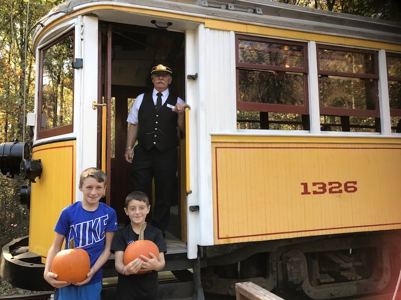 connecticut trolley museum pumpkin patch trolley rides visit ct halloween