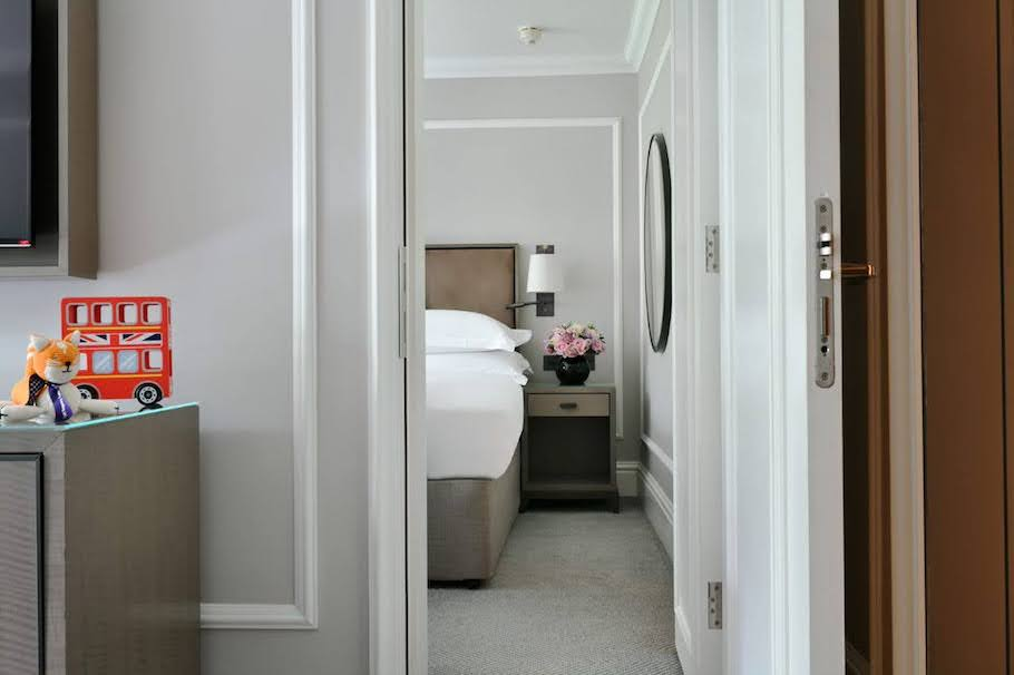 living room and bedroom hyatt regency london churchill marylebone uk