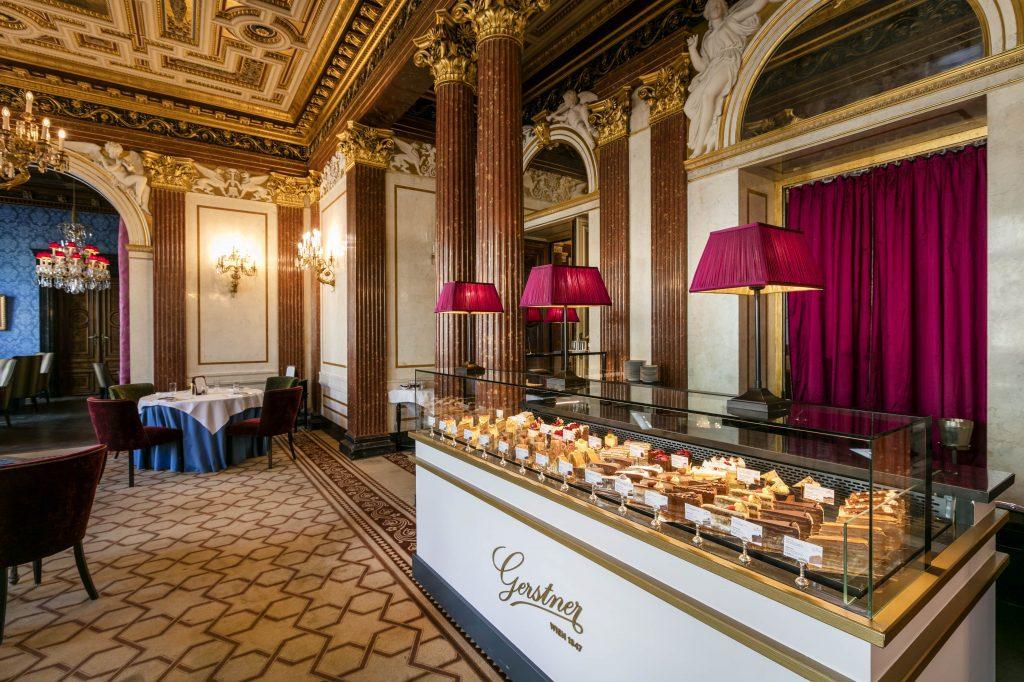 Gerstner Dessert Case Vienna
