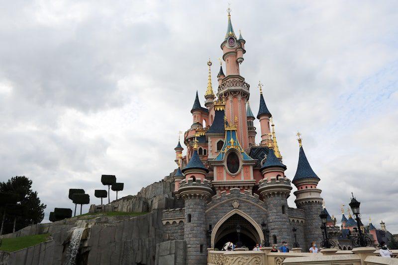 Disnleyland paris castle