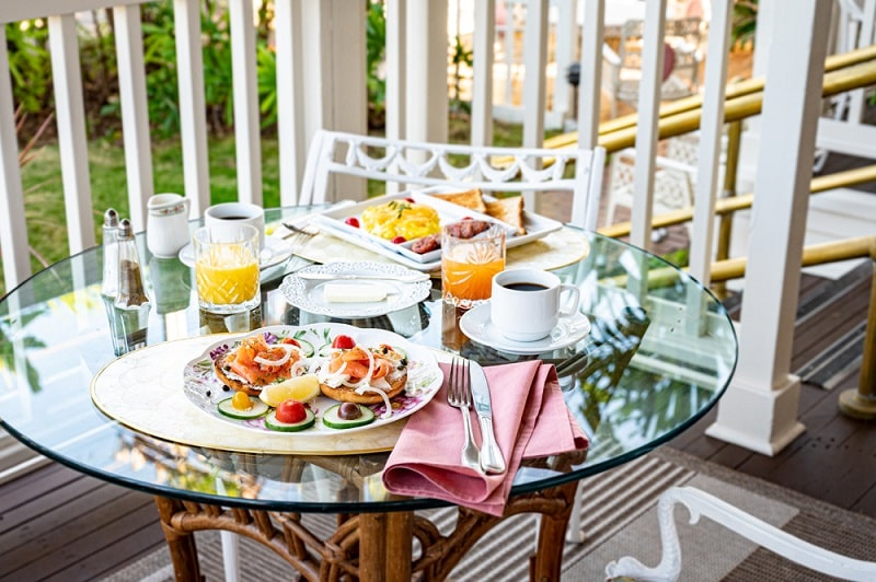 Ka'anapali Beach Hotel outdoor breakfast spread orange juice hawaii