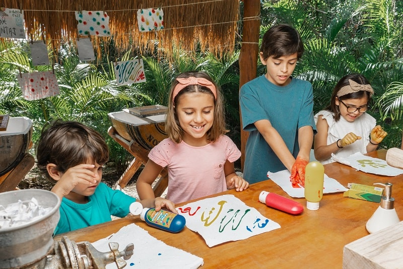 Banyan Tree Mayakoba children recycle craft activity