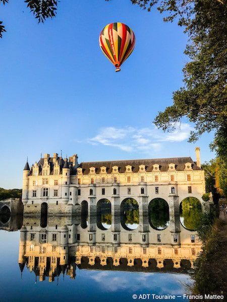 balloon flight over the chateau de chenonceau