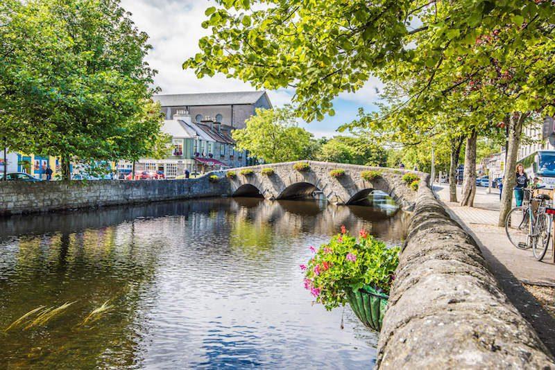 westport ireland town bridge