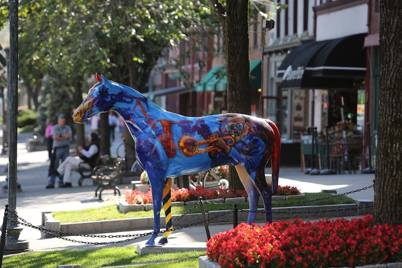 saratoga springs horse statue spring visit