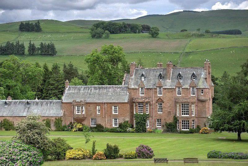 cringletie house scotland green grass travel
