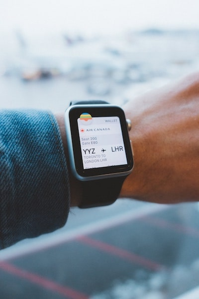 apple watch boarding pass air canada home travel safety