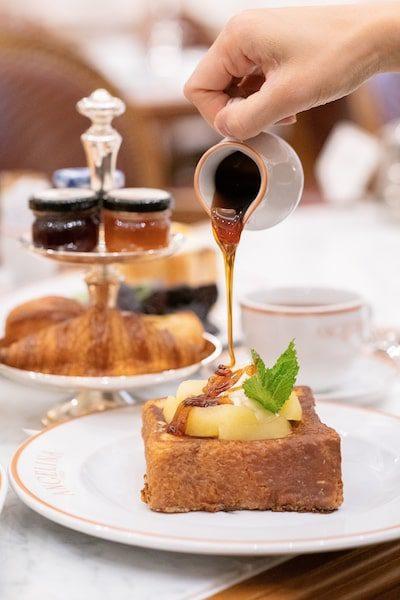 angelina paris use french toast breakfast bryant park