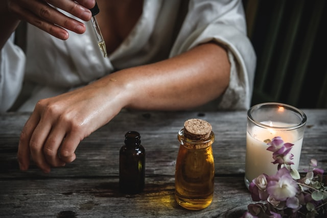 experimenting with essential oils health benefits