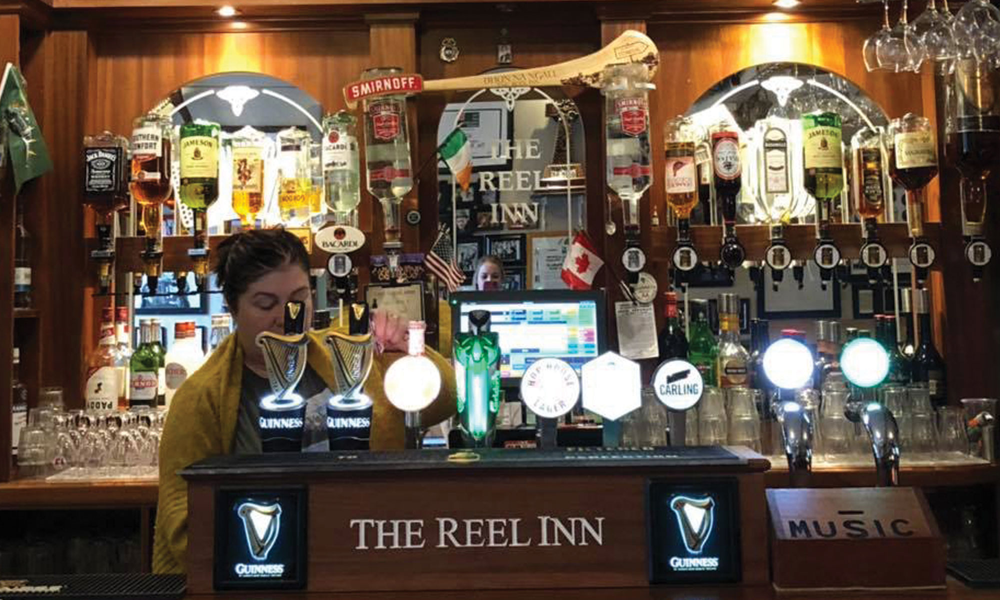 The reel inn donegal traditional irish pub Ireland