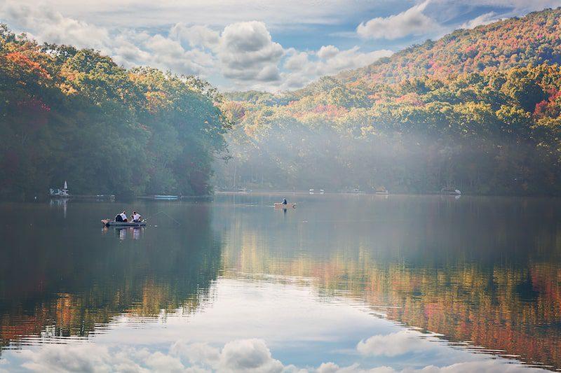 mt. tom lake ct fall foliage beautiful scenery connecticut