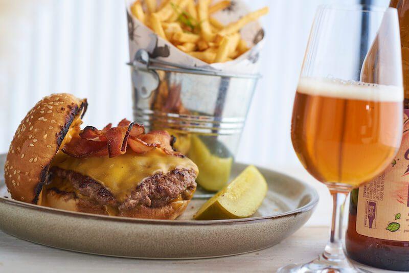 burger and beer at the juniper at the vanderbilt