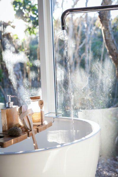relaxing bath cbd wellness